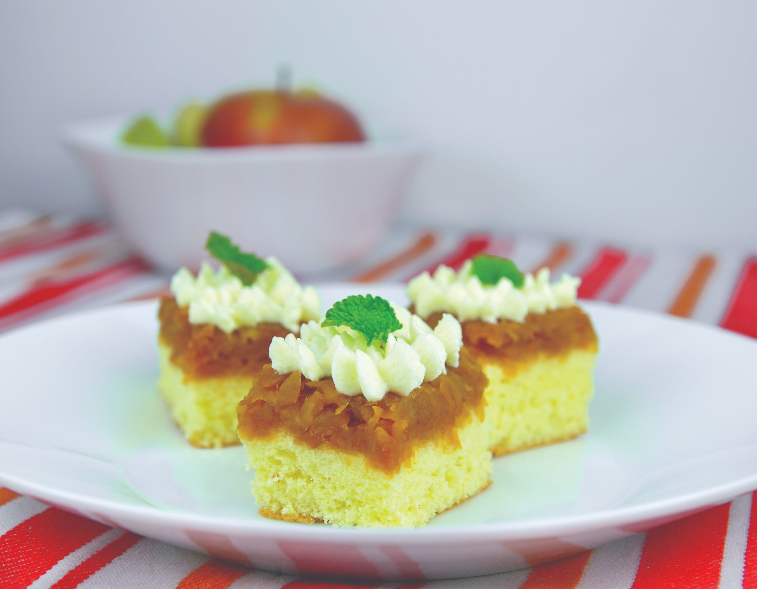 Biskvit s jabukama