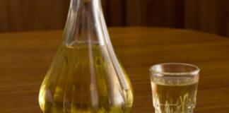 pomiješati vino s vodom prije pečenja rakije